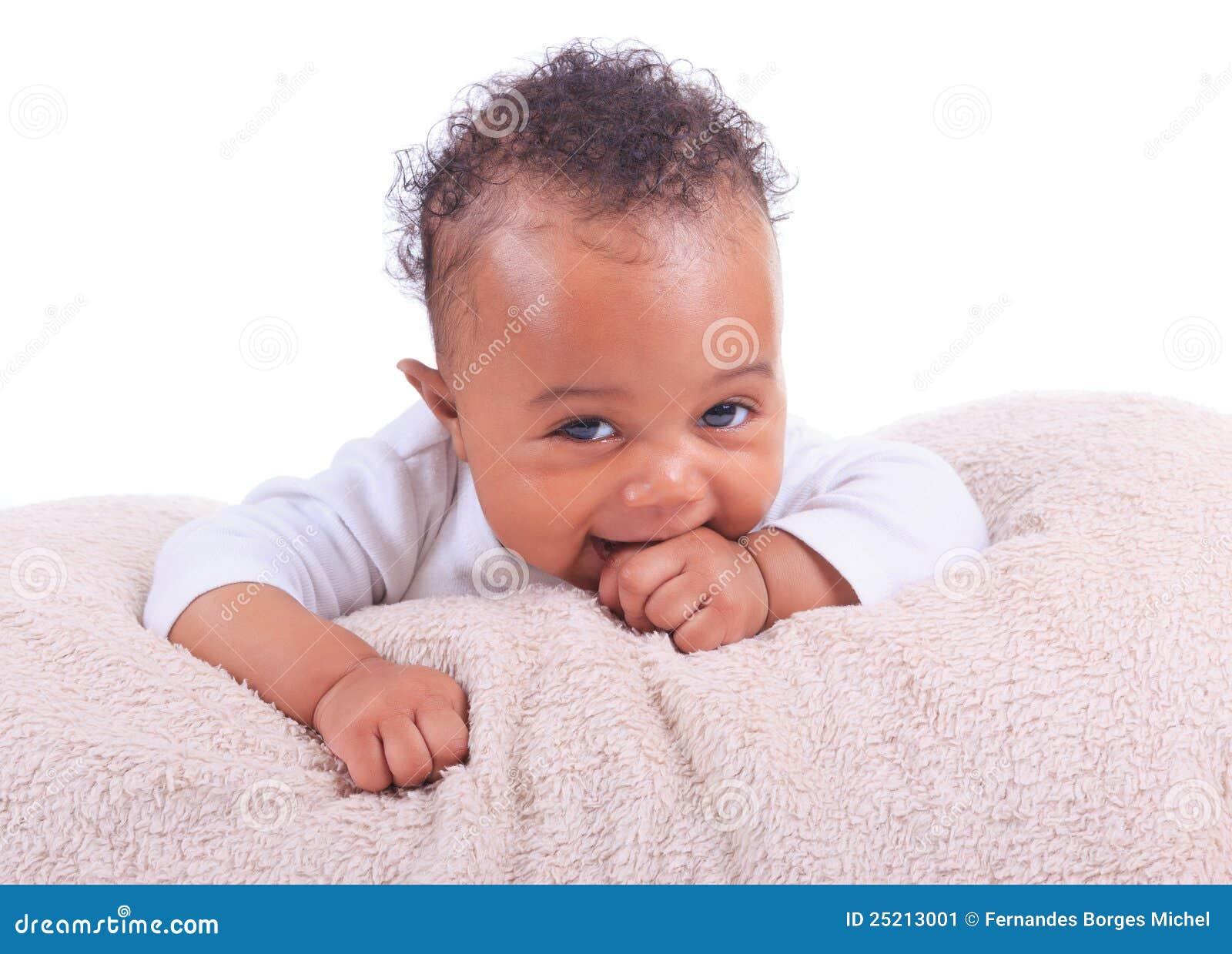 Americano africano do bebê recém-nascido