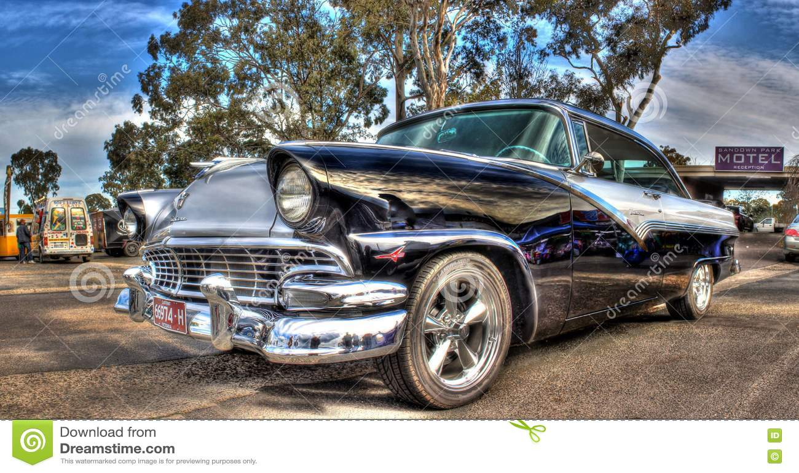 Americano Classico Ford Fairlane Degli Anni 50 Immagine Stock