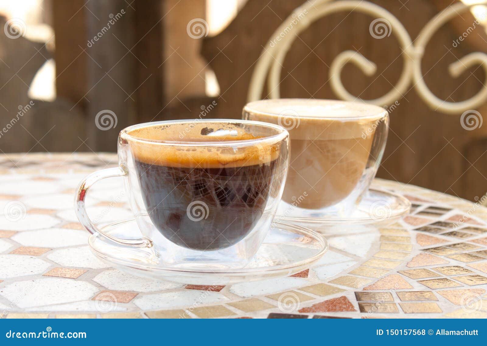 Americano et cappuccino