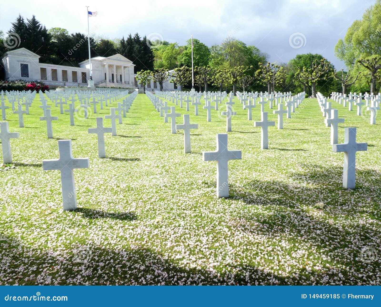 Amerikaans Begraafplaats en Gedenkteken van Suresnes, in Frankrijk, Europa