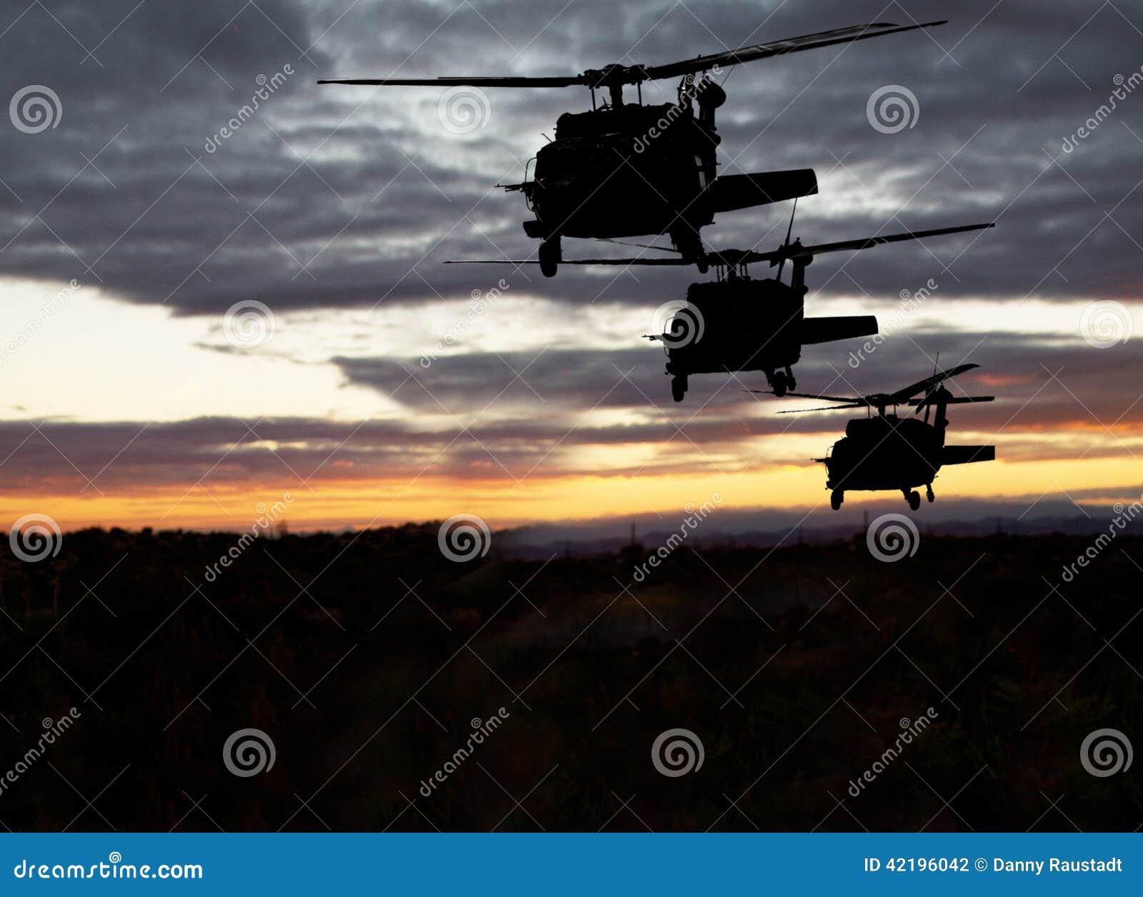 Amerikanischer Militärhubschrauber-Nachtflug