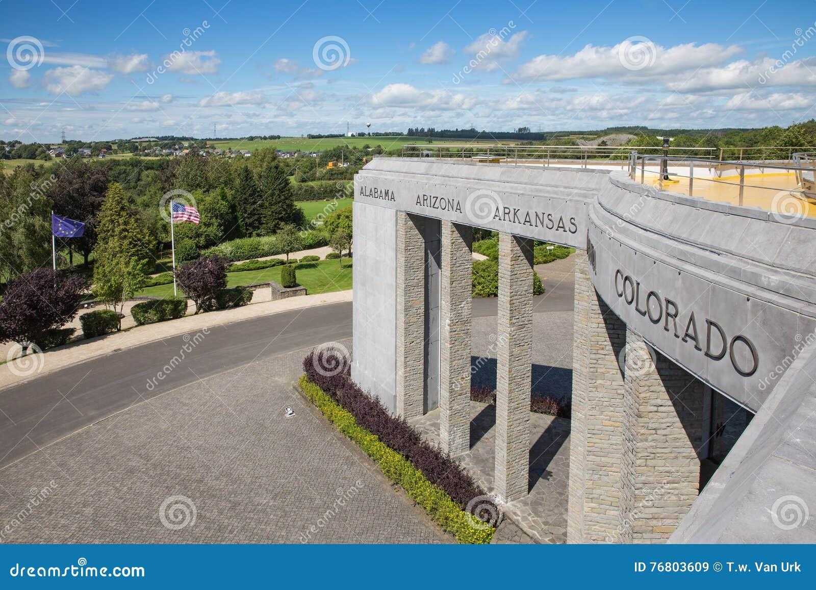 Amerikansk minnes- strid WW2 av bucklan på Bastogne, Belgien