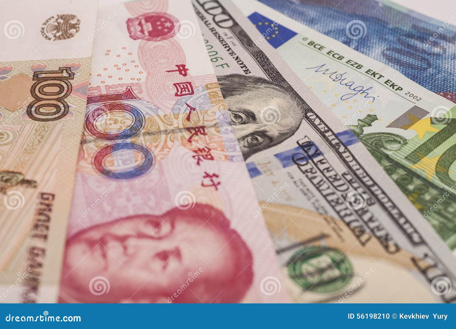 Amerikanska dollar, europeiskt euro, schweizisk franc, kinesisk yuan och Rus