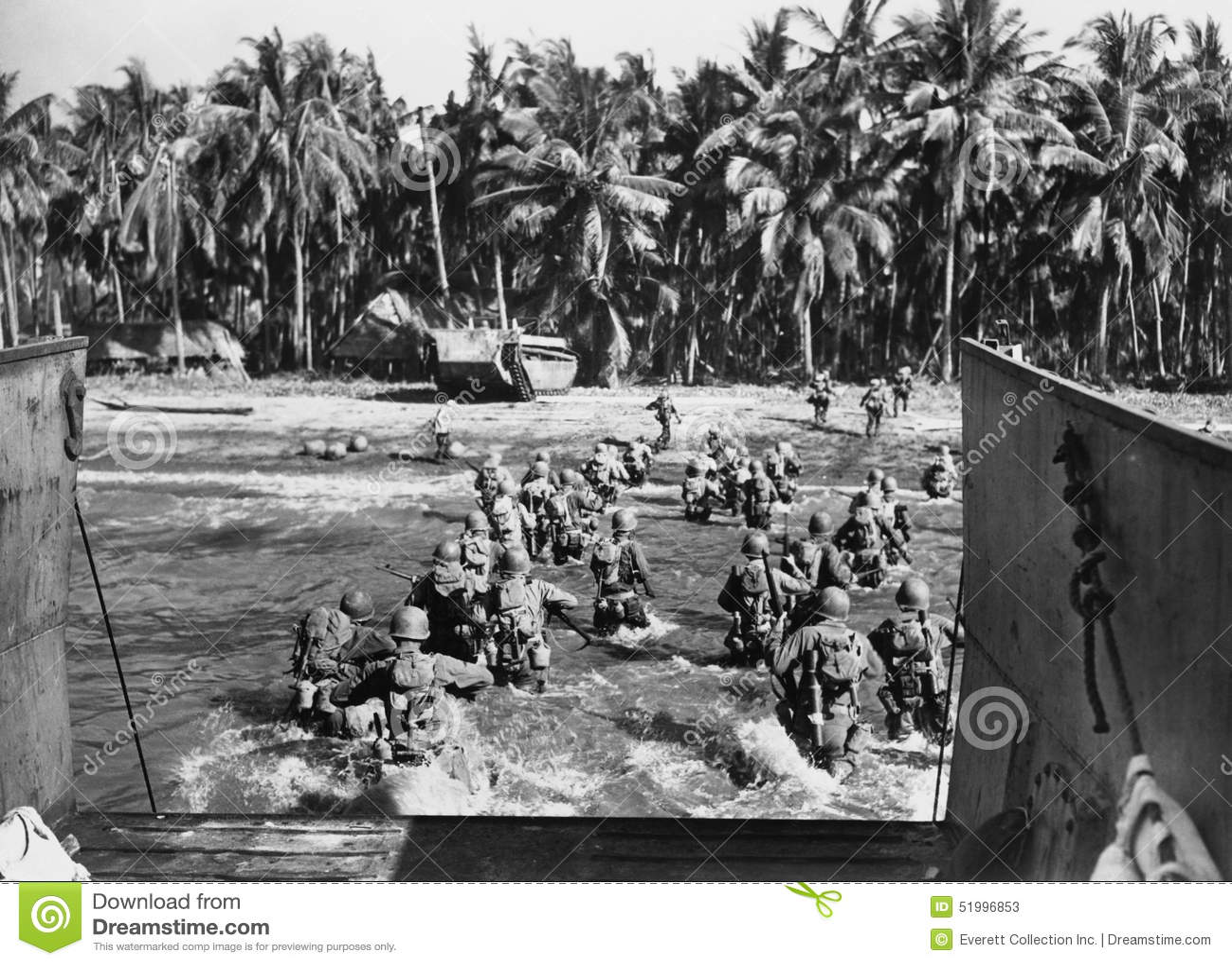 Amerykańscy oddziały wojskowi szaleje plaże podczas drugiej wojny światowa (Wszystkie persons przedstawiający no są długiego utrz