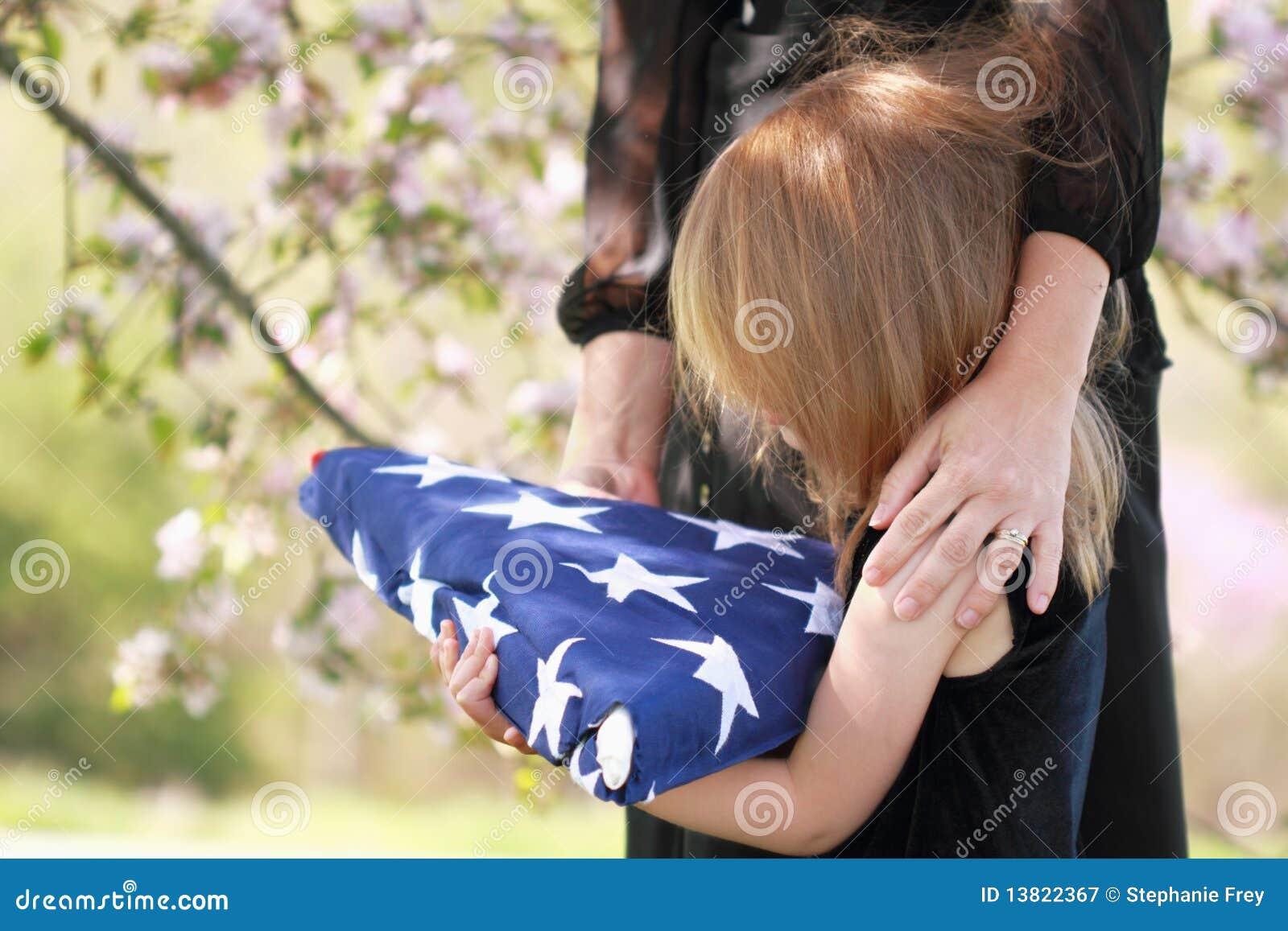Amerykańska dziecka flaga składający mienia rodzic s