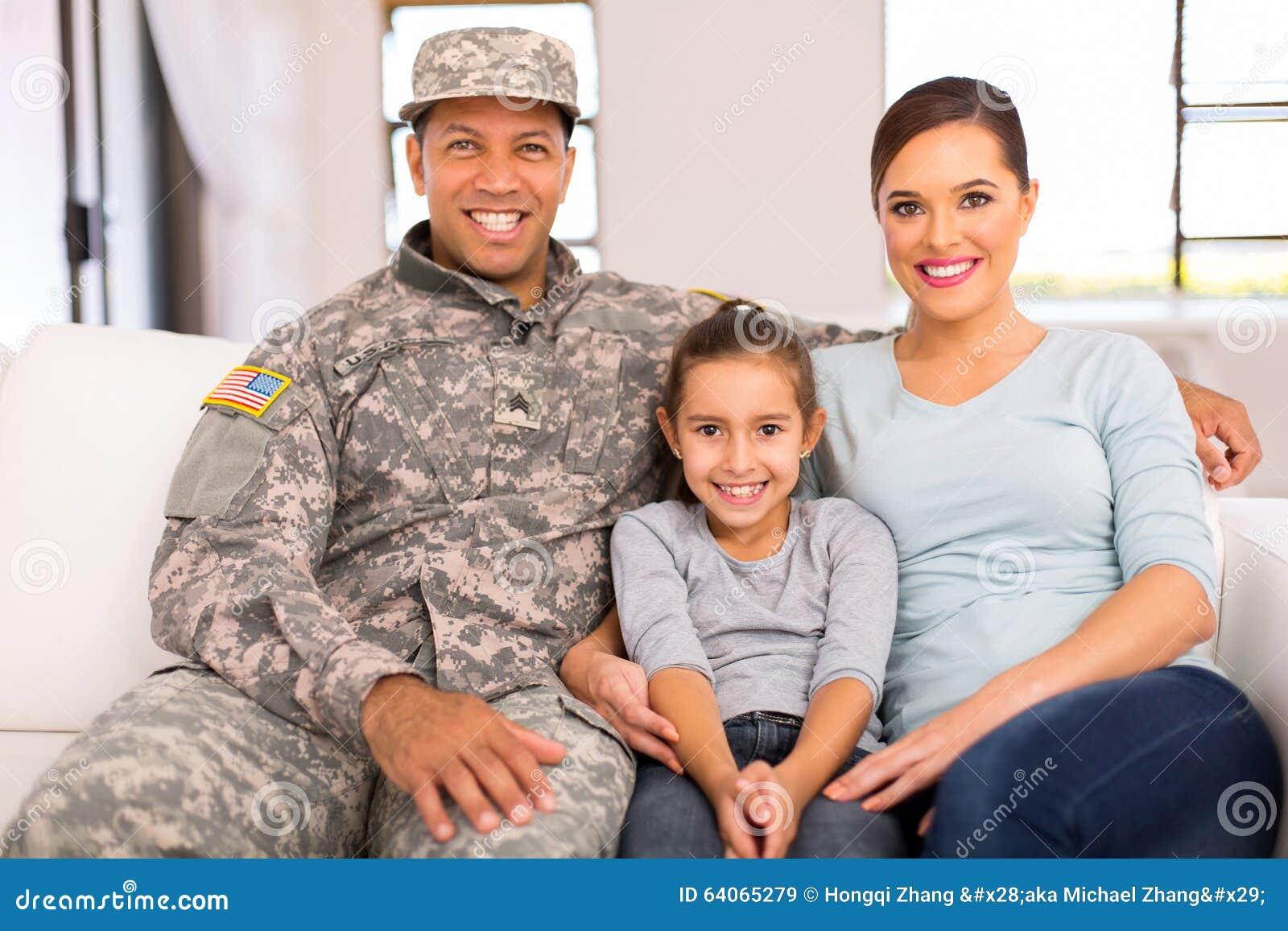 Amerykański militarny rodzinny relaksować