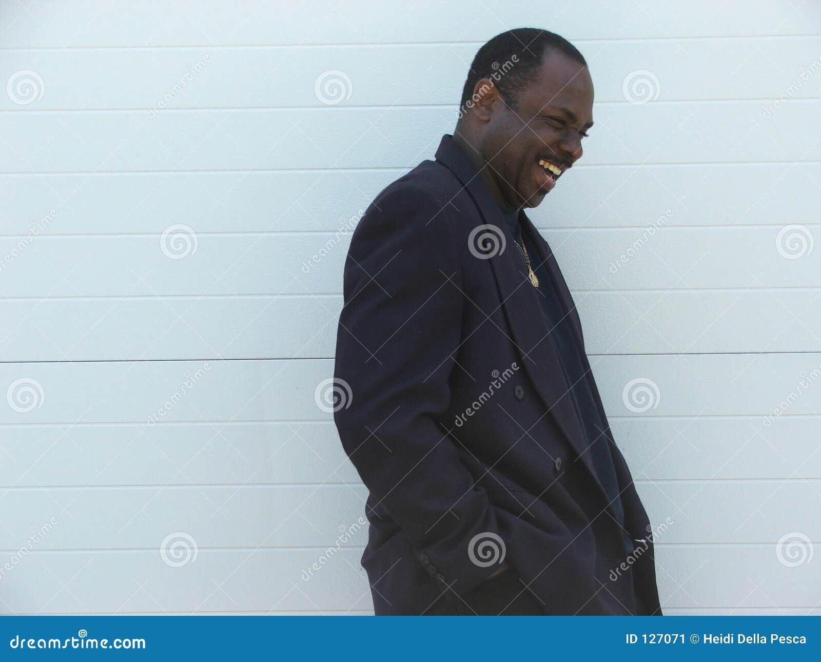 Amerykańskiego biznesmena afro szczęśliwy śmiać
