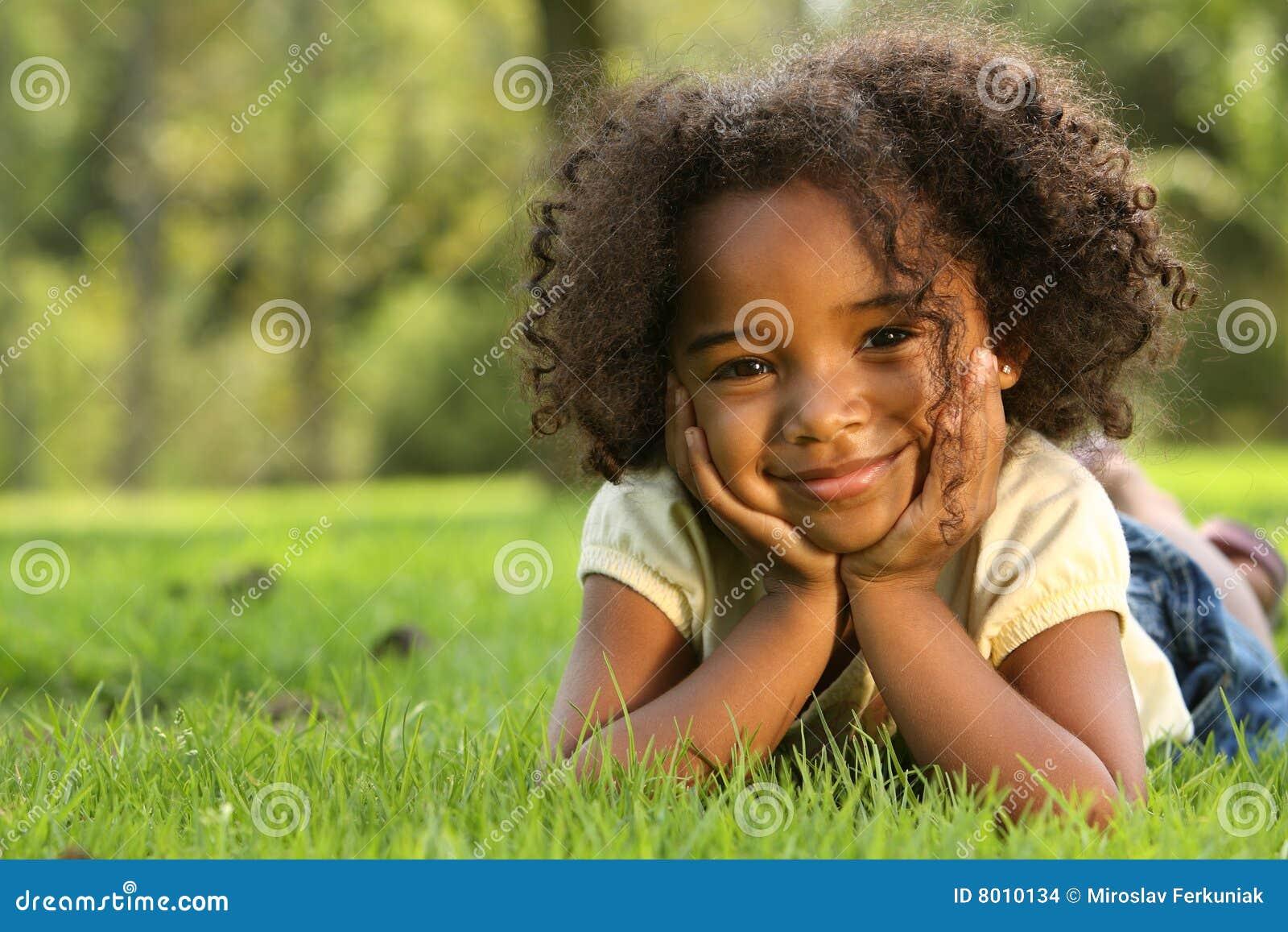 Amerykanin afrykańskiego pochodzenia dziecko