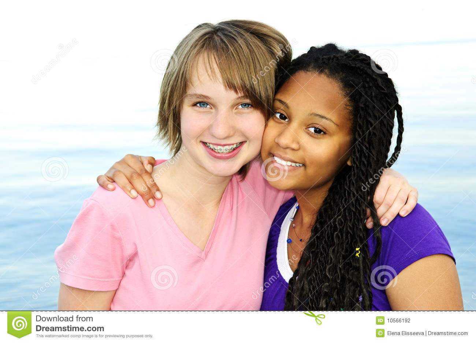 Amies d adolescent heureuses