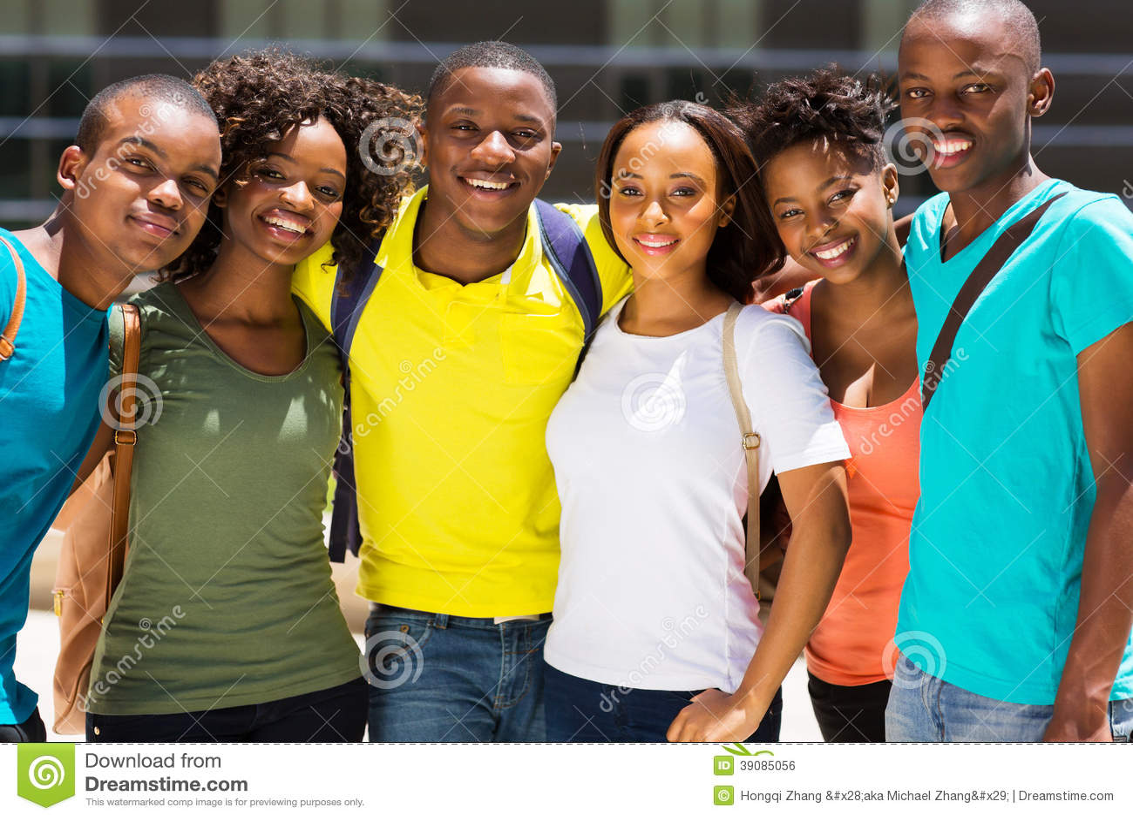 Amigos africanos da faculdade
