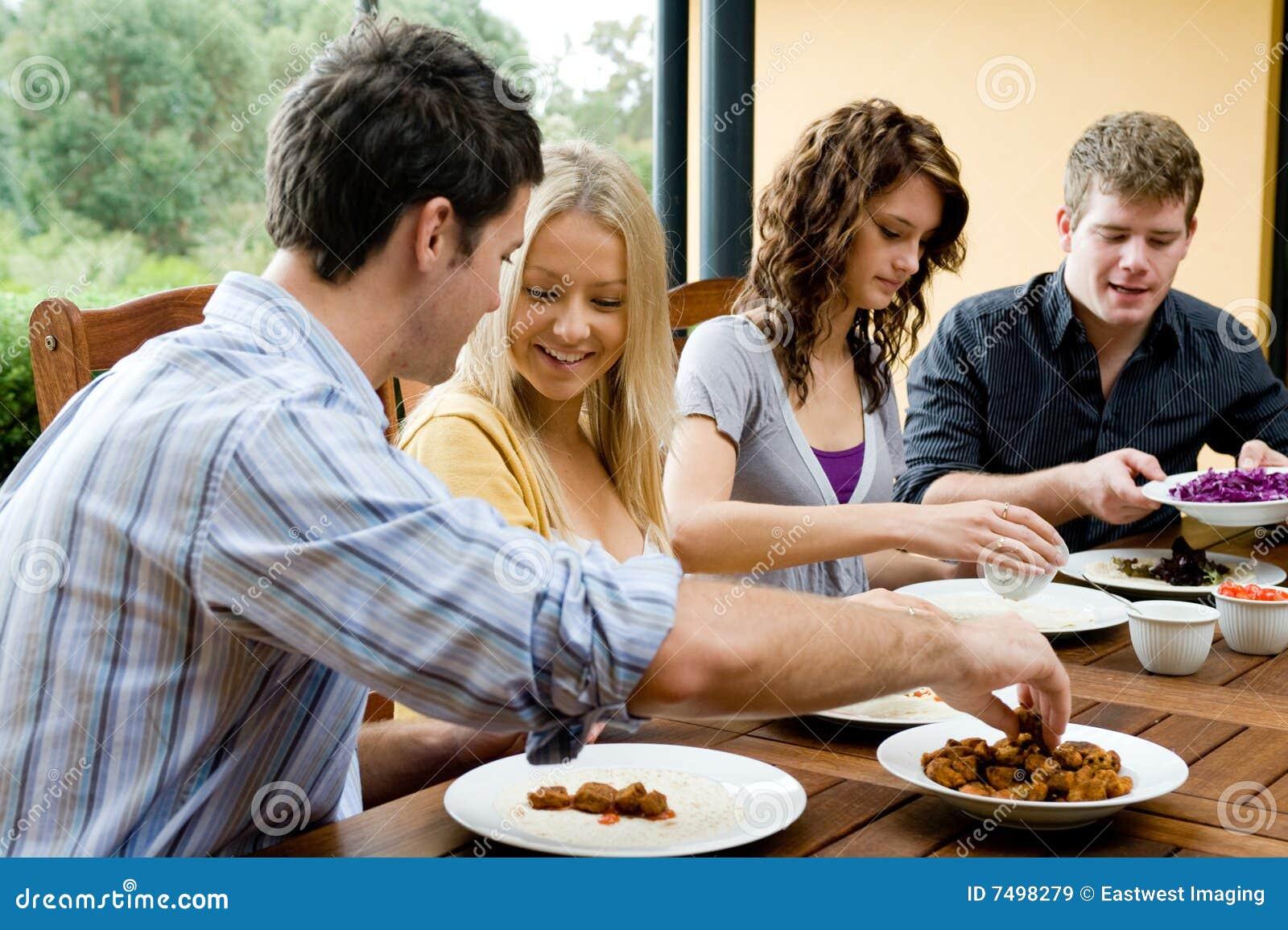 Amigos que cenan