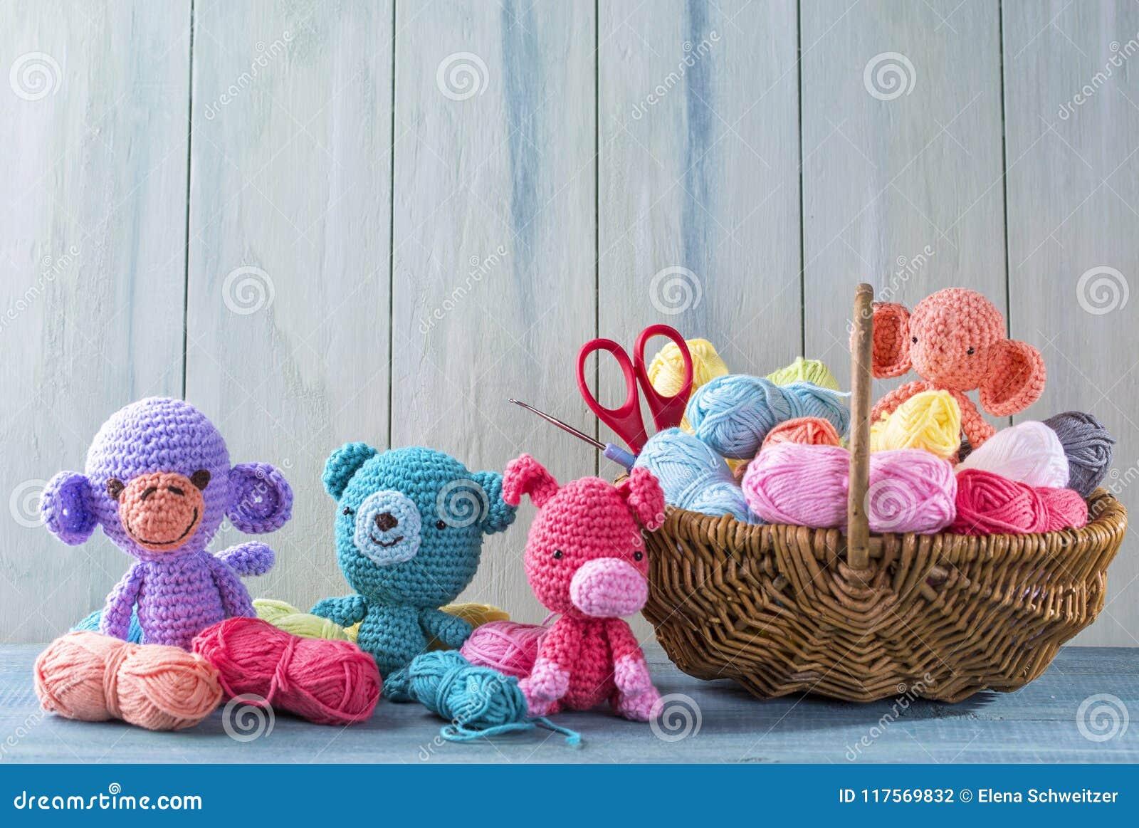 Lille, M: Lovable Amigurumi Toys (Lilleliis): Amazon.de: Lille ... | 962x1300