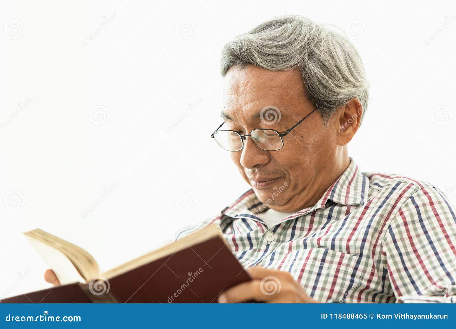 Amile Lehrbuch asiatischen Glasprofessors des alten Mannes Lese