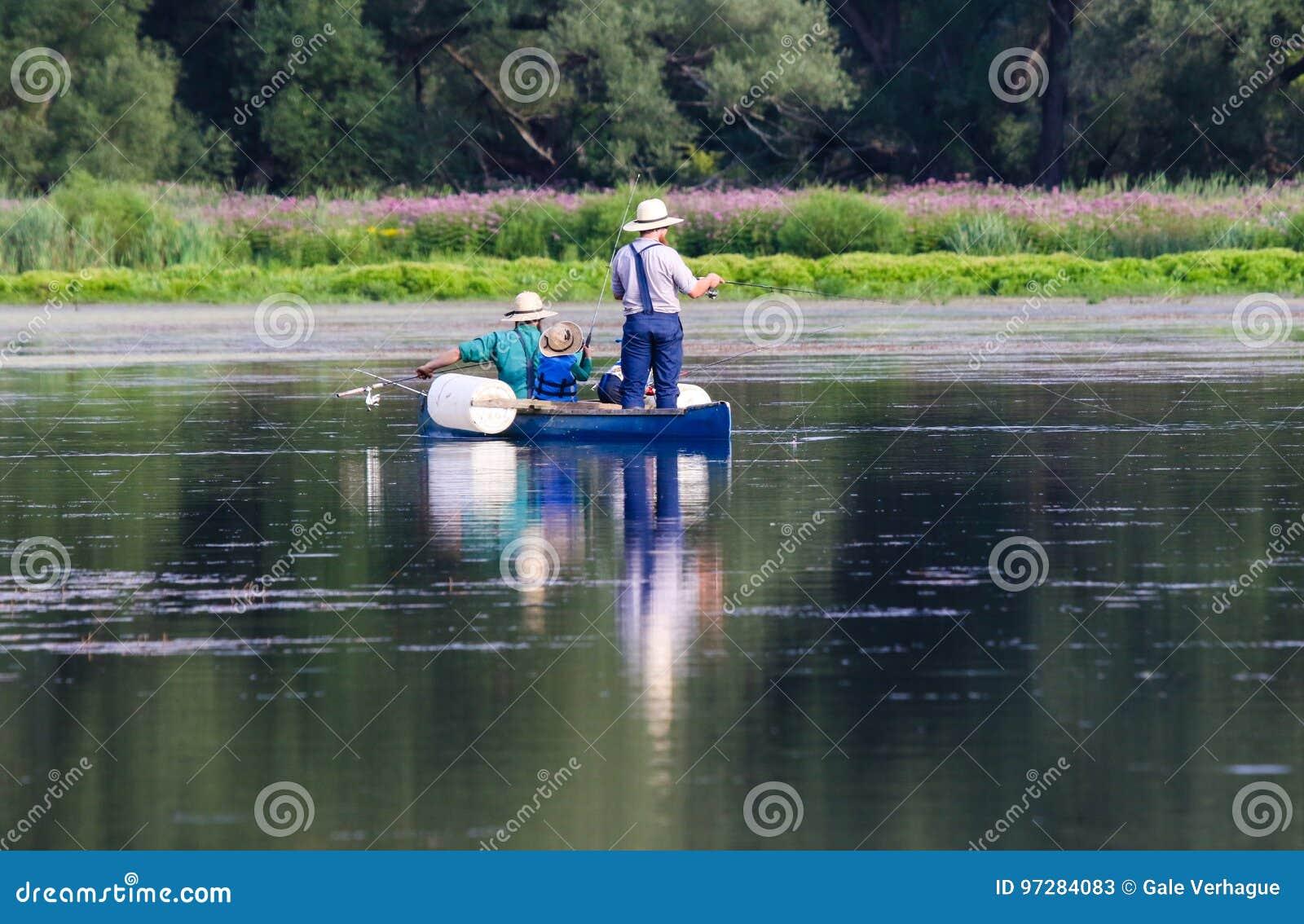 Amish mężczyzna Łowić