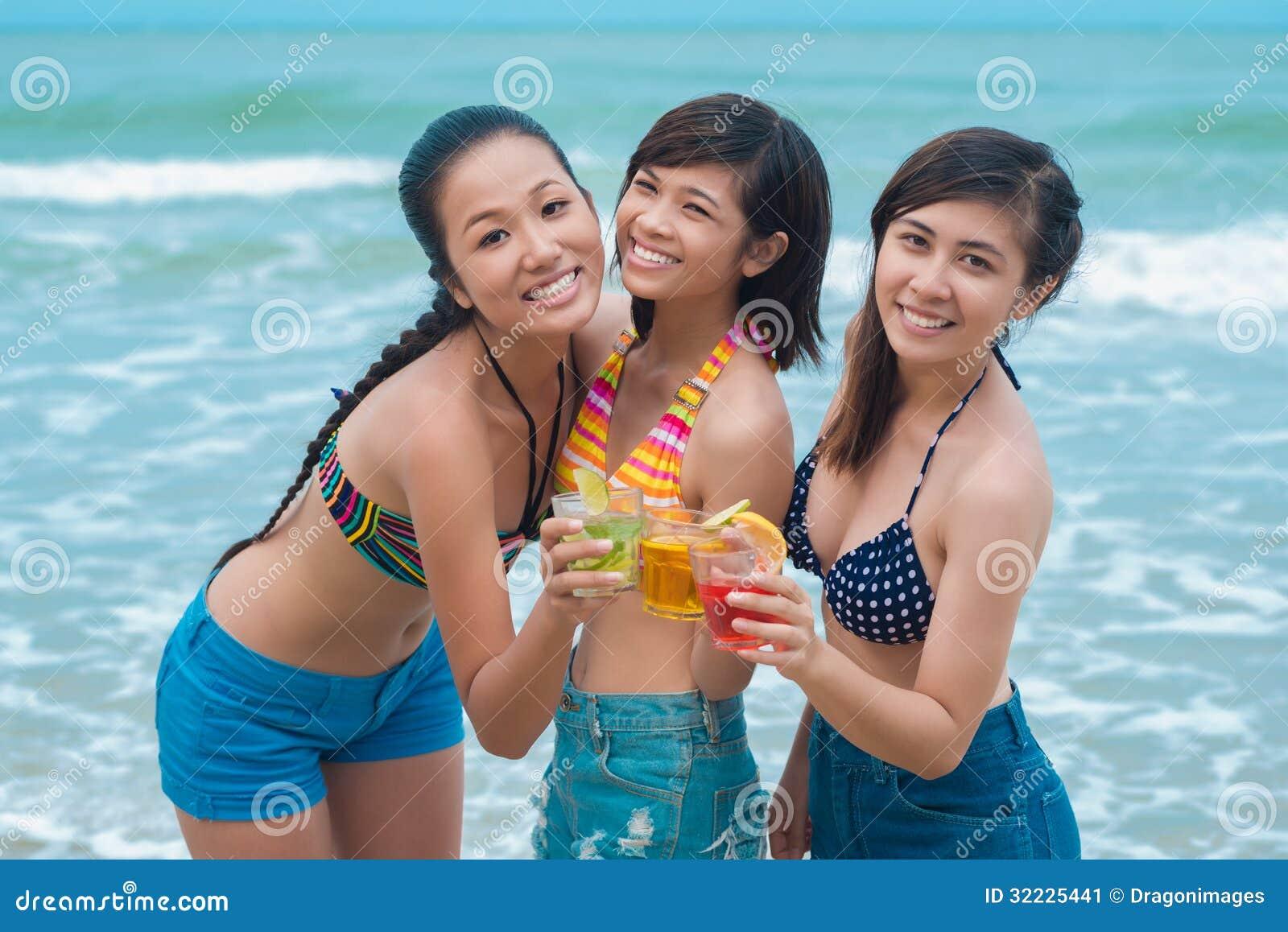 Download Amizade de Girl?s imagem de stock. Imagem de adulto, álcool - 32225441