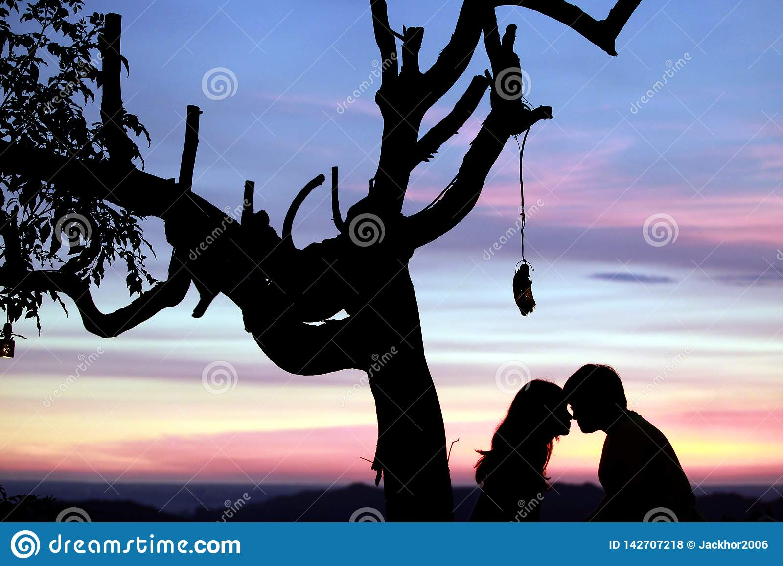 Amor en la puesta del sol