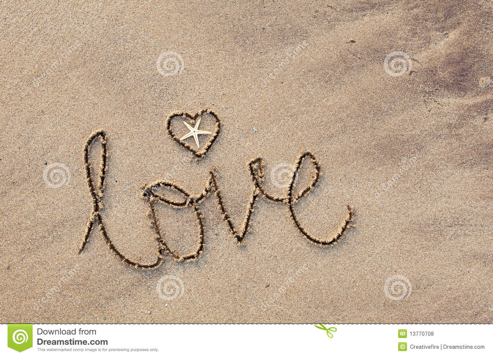 La Palabra Te Amo Escrito En La Arena: Amor Escrito En Arena