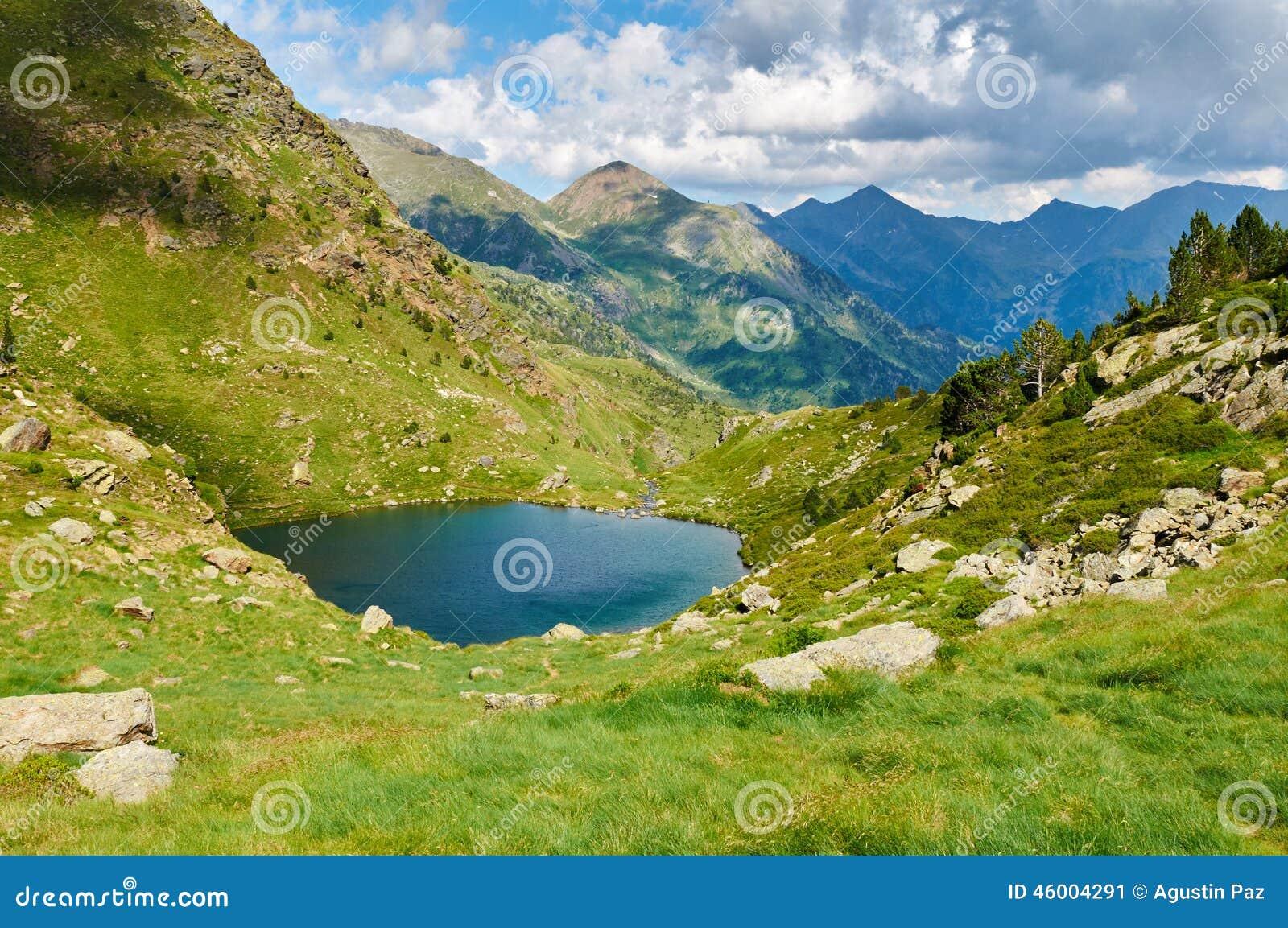 Amorce d Estany Lacs Tristaina (Estanis de Tristaina) l andorre