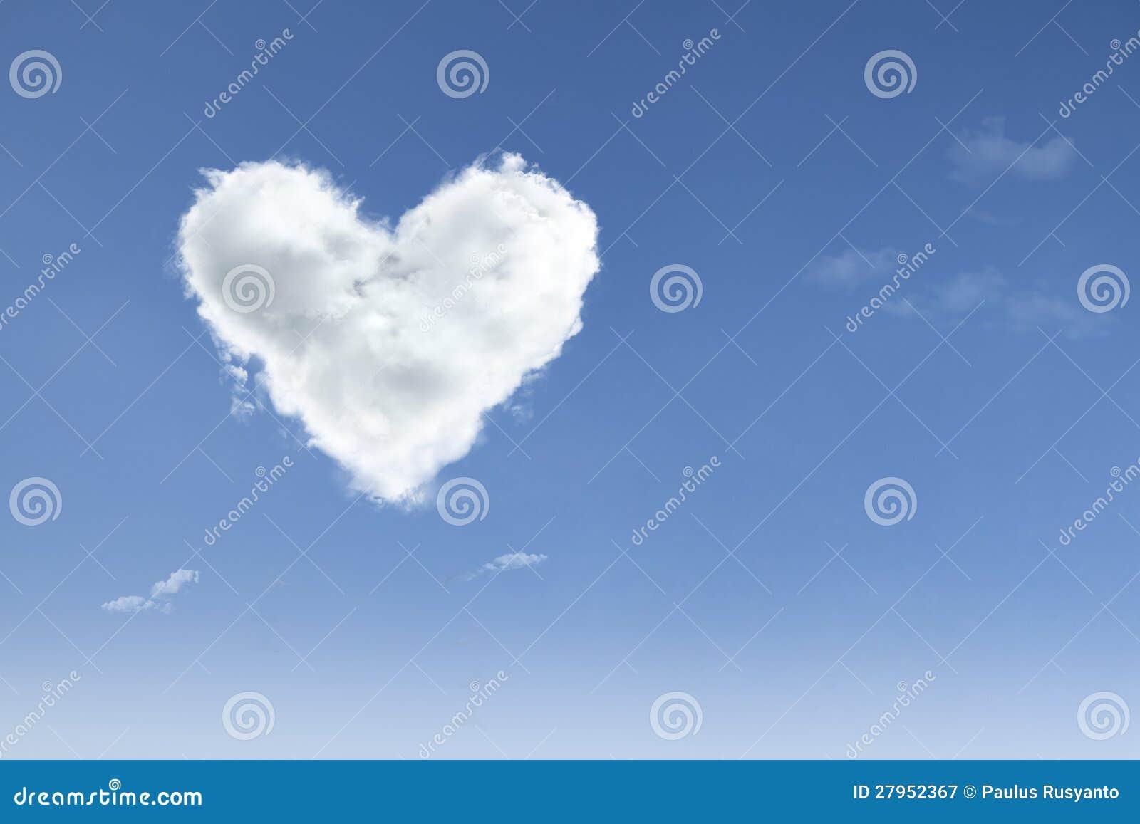 Amore nell aria su cielo blu
