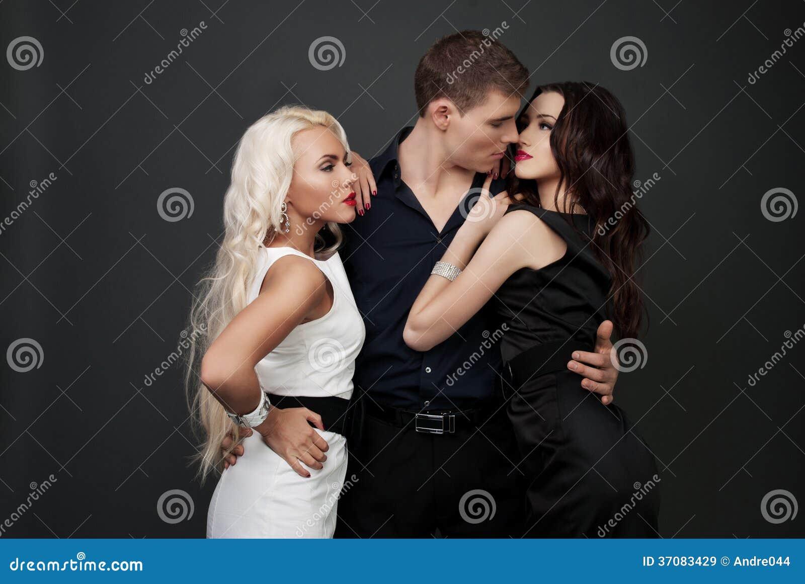 Amour d 39 hommes et de femmes histoire d 39 amour chaude - Amour entre femme et homme dans le lit ...