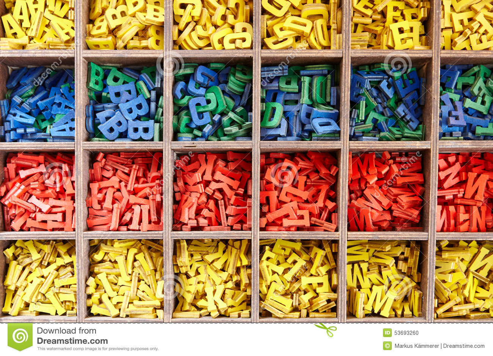 Ampia raccolta delle lettere variopinte di alfabeto