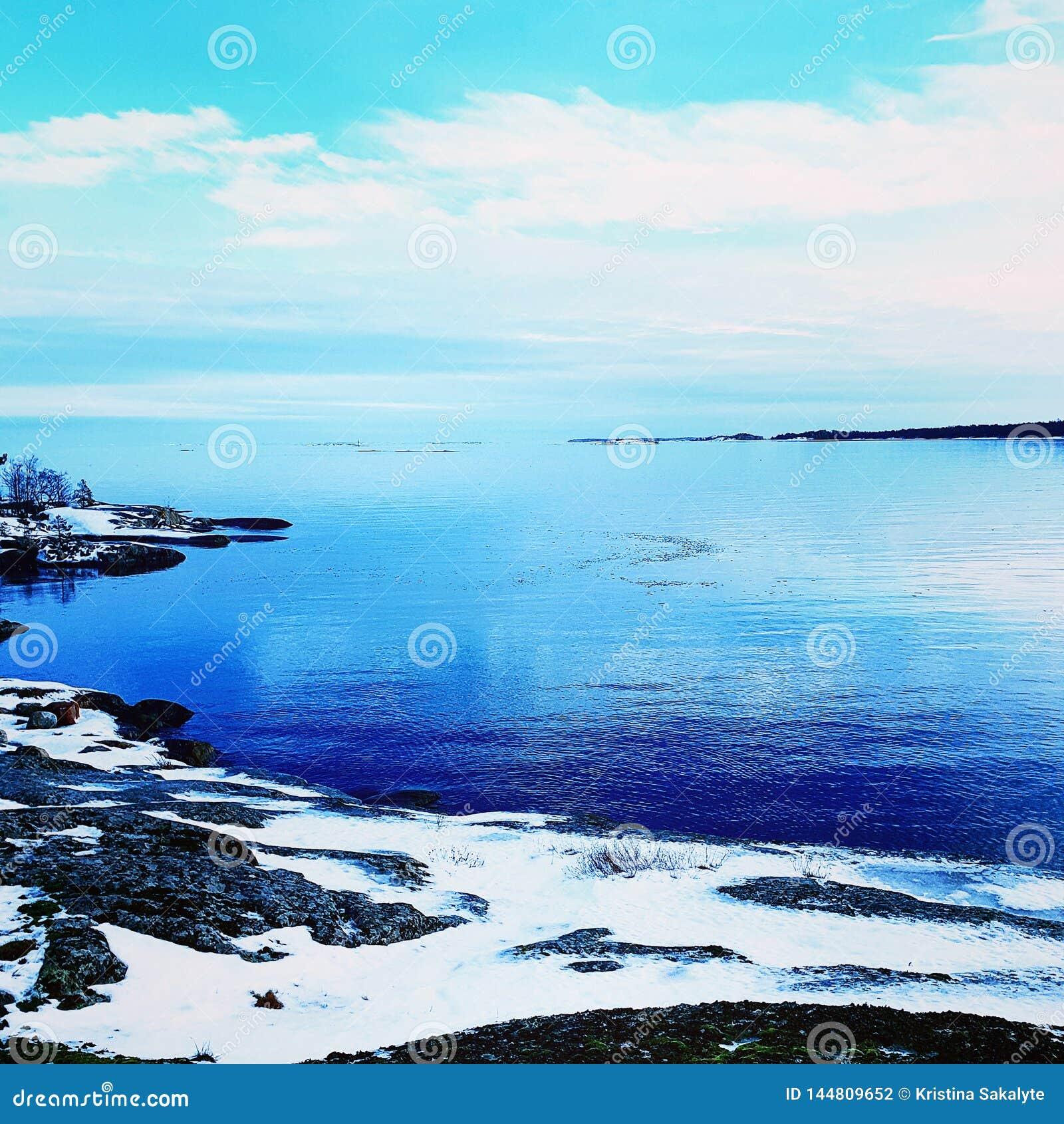 Ampio mare blu