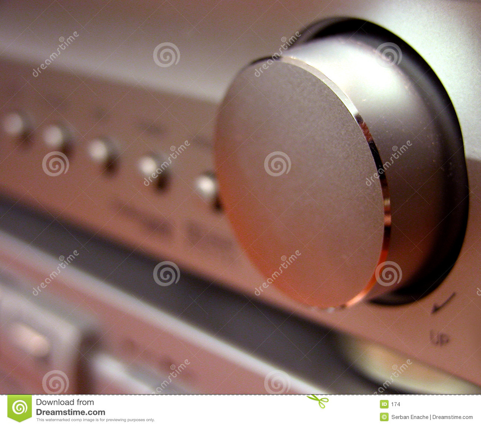 Amplituner按钮数量
