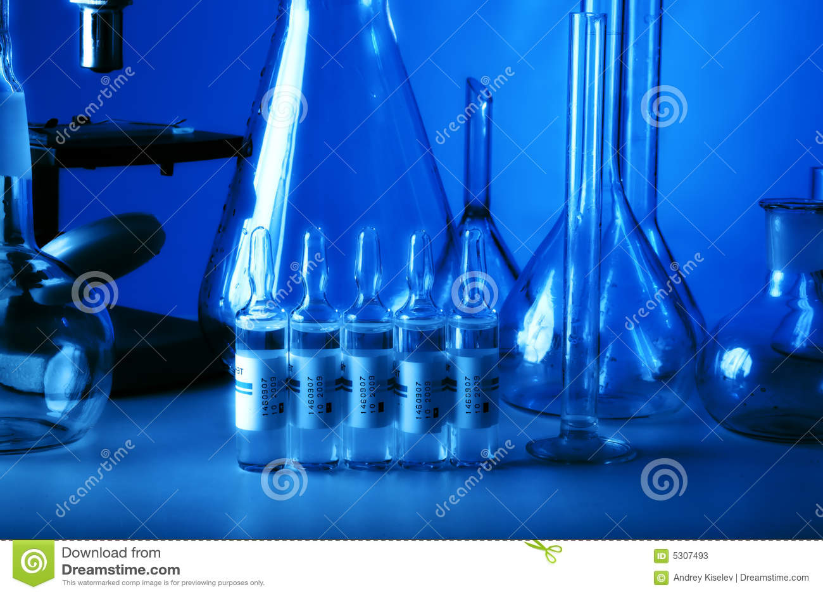 Download Ampolle immagine stock. Immagine di boccetta, farmaco - 5307493