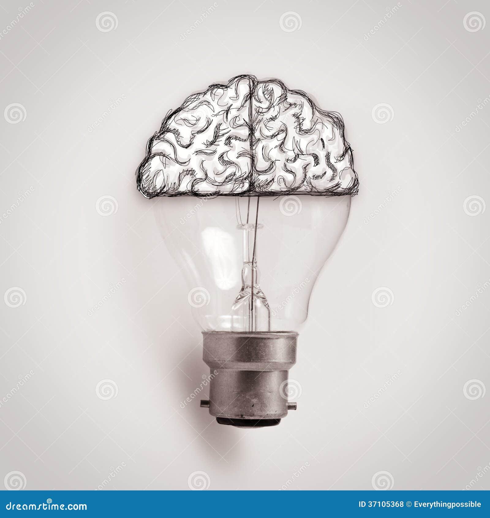 Ampoule avec le cerveau tiré par la main en tant qu idée créative