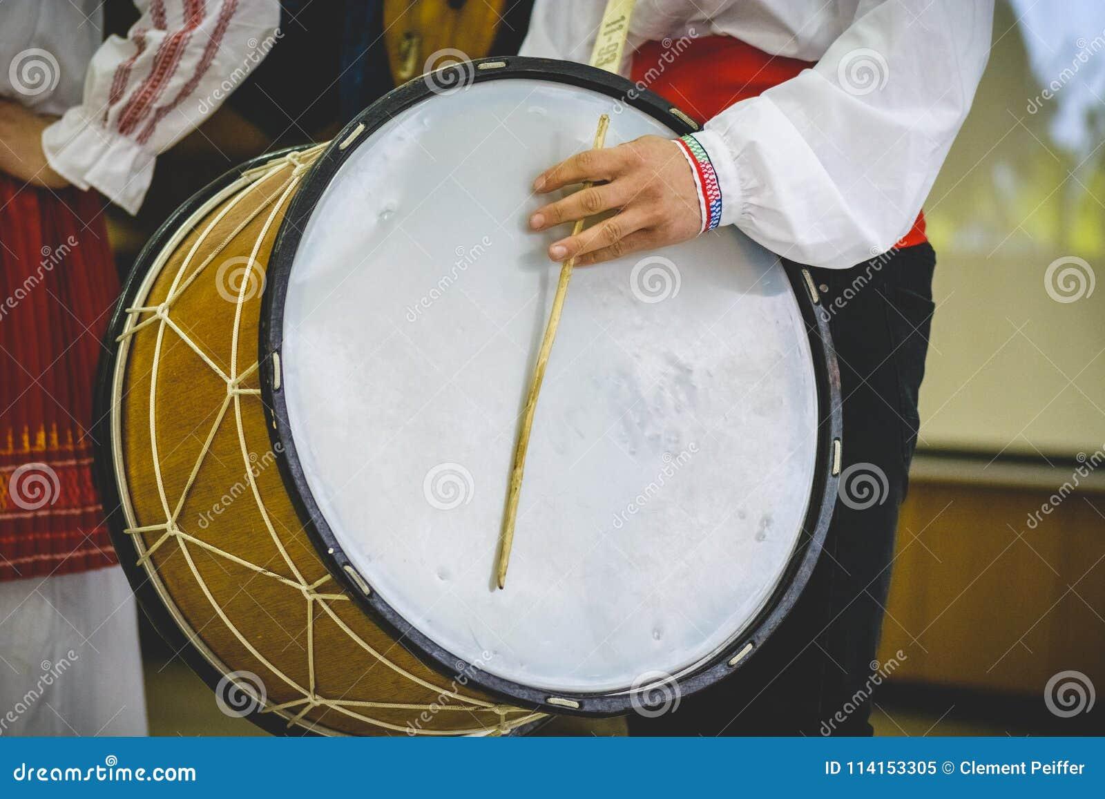 Ampuły kopia przewodził bęben, bulgarian tradycyjny instrument