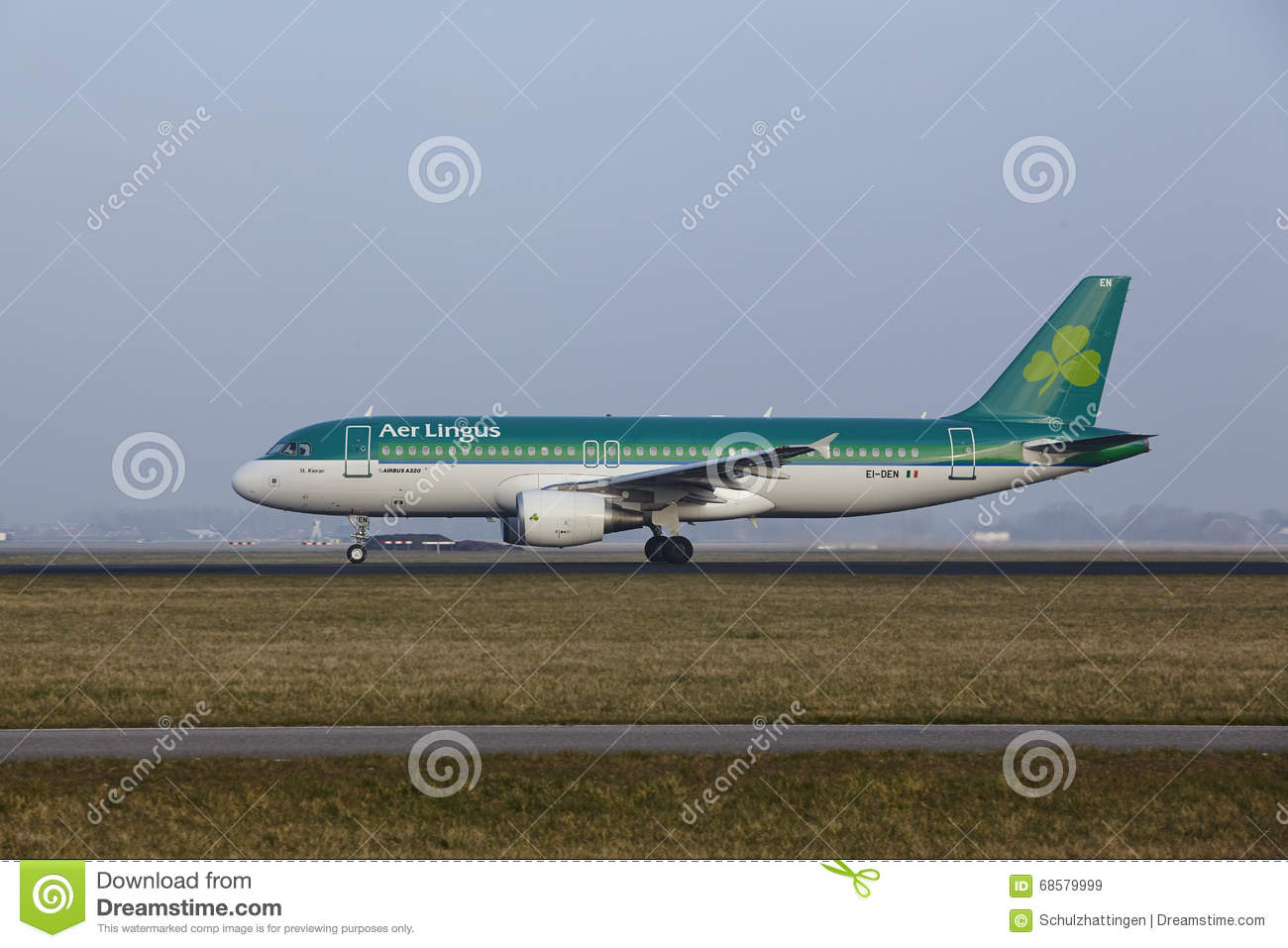Amsterdam Airport Schiphol - Airbus 320 of Aer Lingus takes off