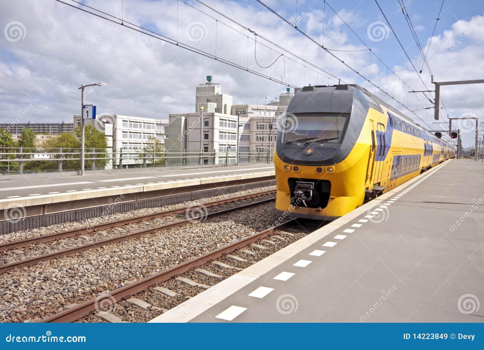 Amsterdam ankommande drev