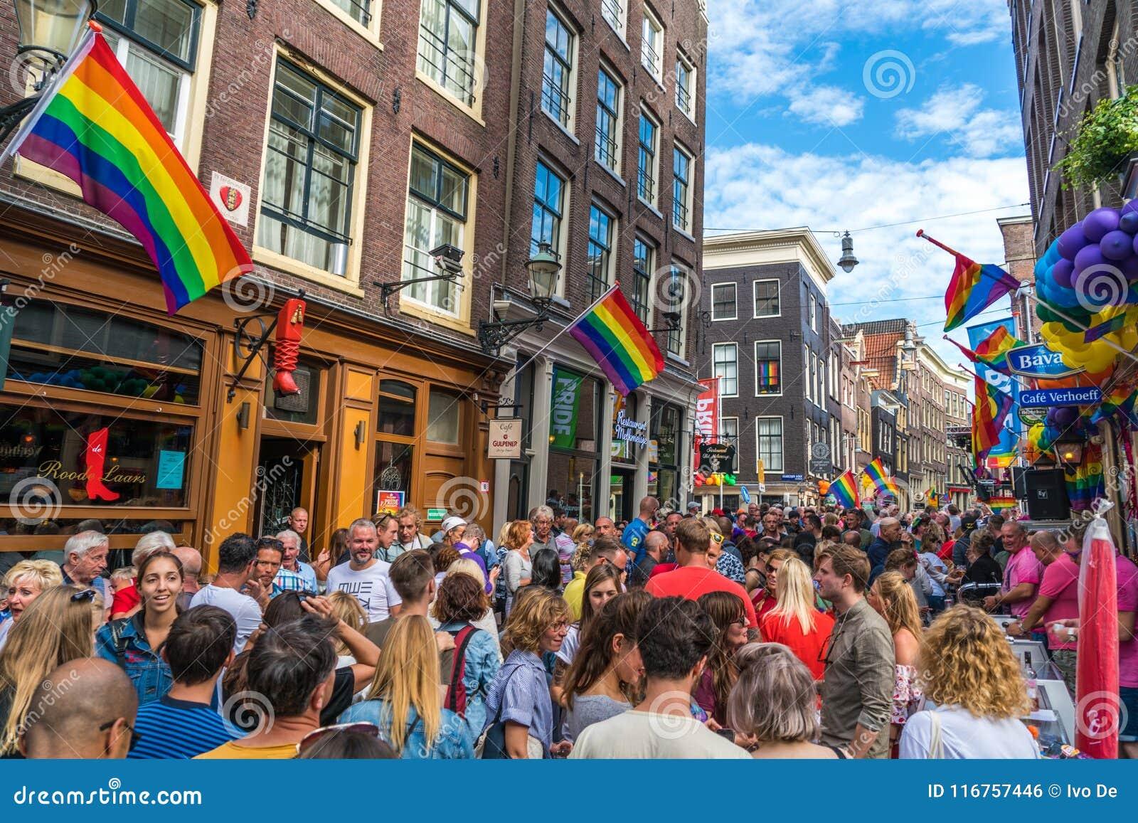 Amsterdam, am 5. August 2017: Partei während des homosexuellen Stolzes auf dem Zeed