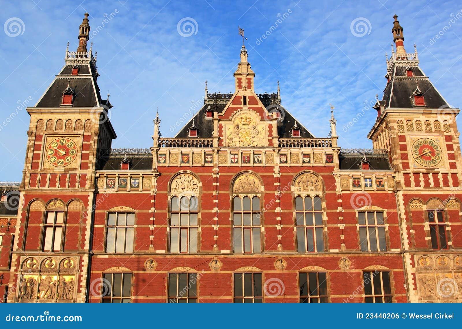 Amsterdam holenderska wieczór światła stacja kolejowa