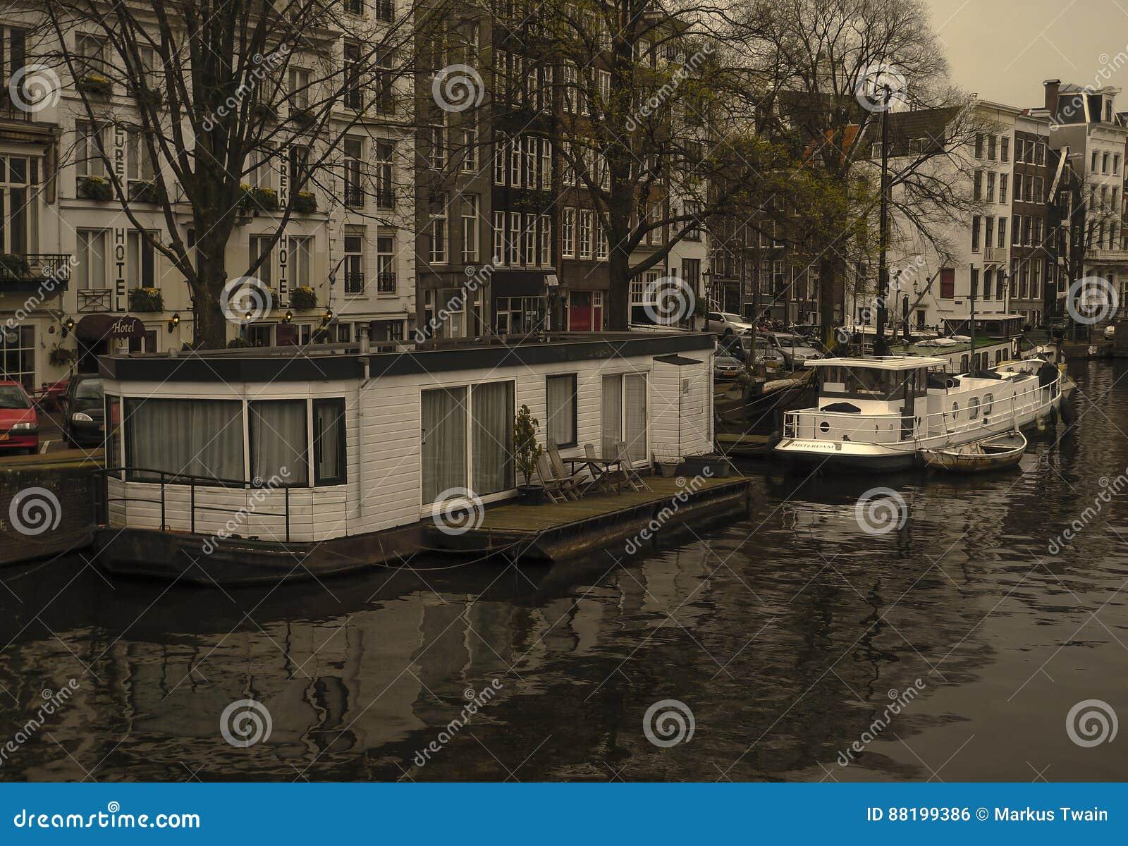Amsterdam Kanałowy Unosić się Stwarza ognisko domowe
