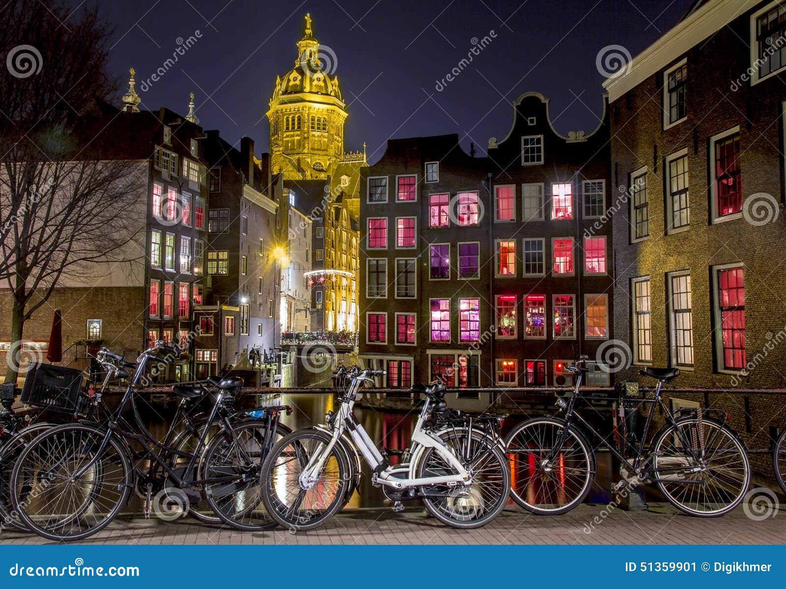 Amsterdam rött ljusområde på natten, Singel kanal