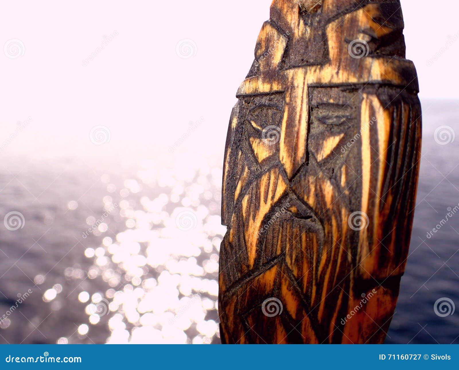Amuleto de Odin en aguas abiertas