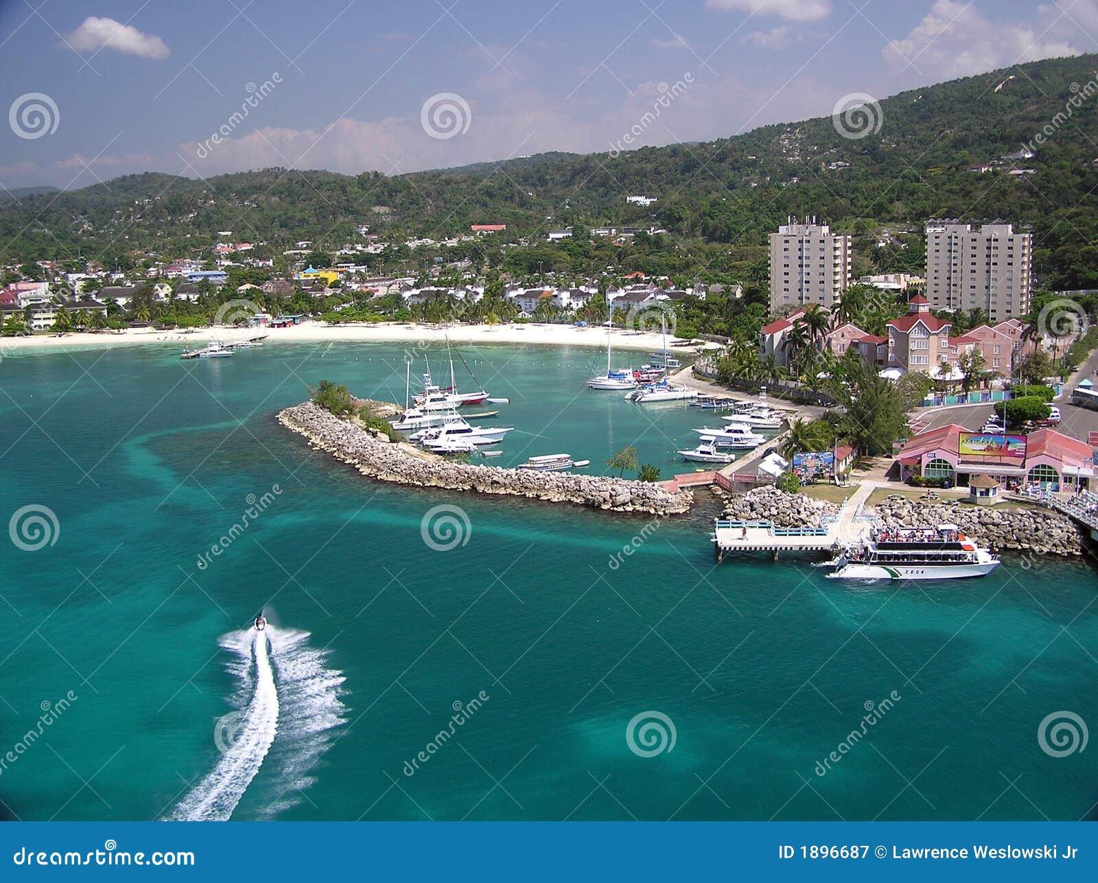 Amusement de ski d avion à réaction dans Ocho Rios, Jamaïque 2