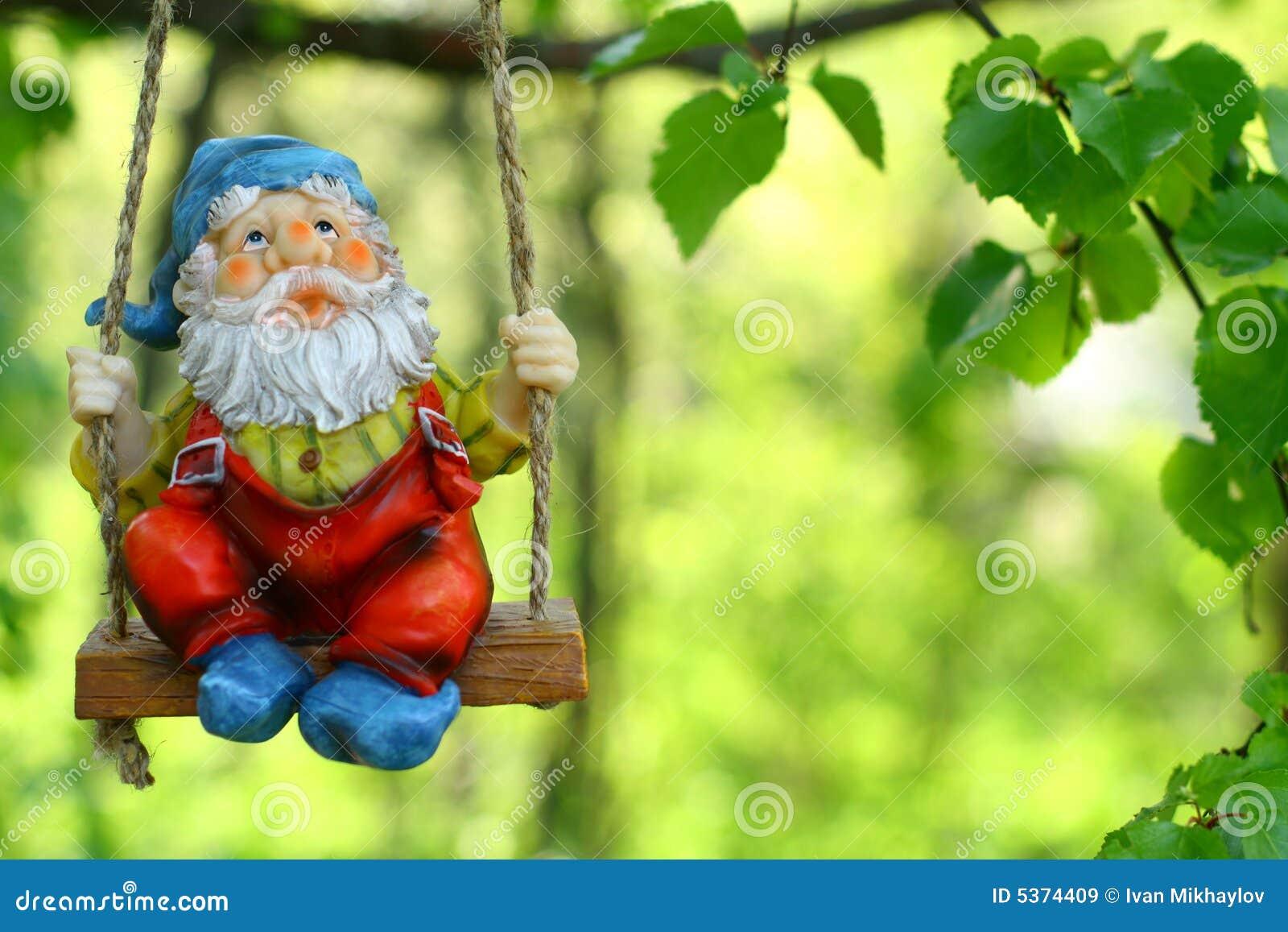 kobold o anao de jardim : kobold o anao de jardim:Anão Do Jardim Imagens de Stock Royalty Free – Imagem: 5374409