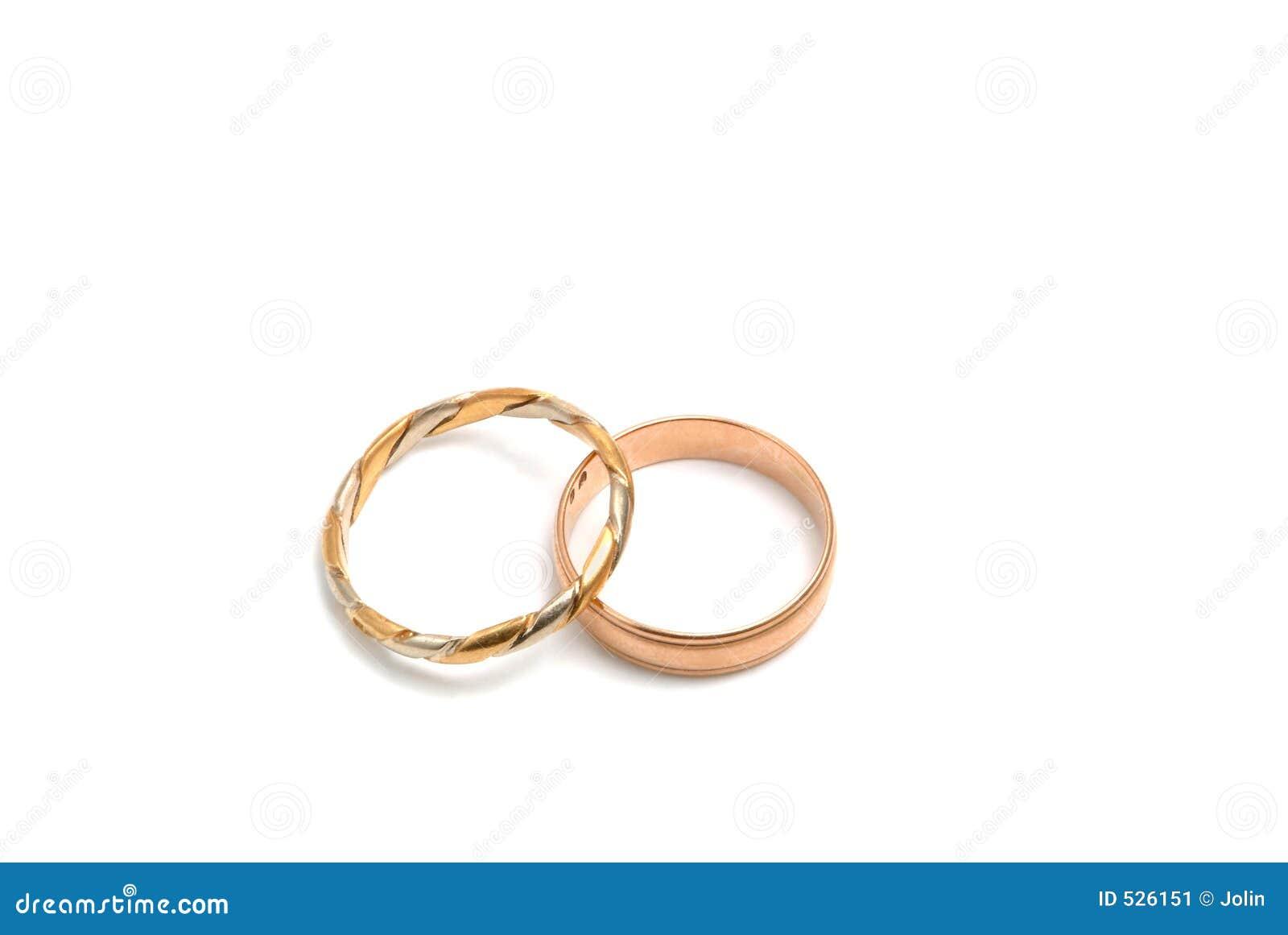 Anéis de casamento no ouro