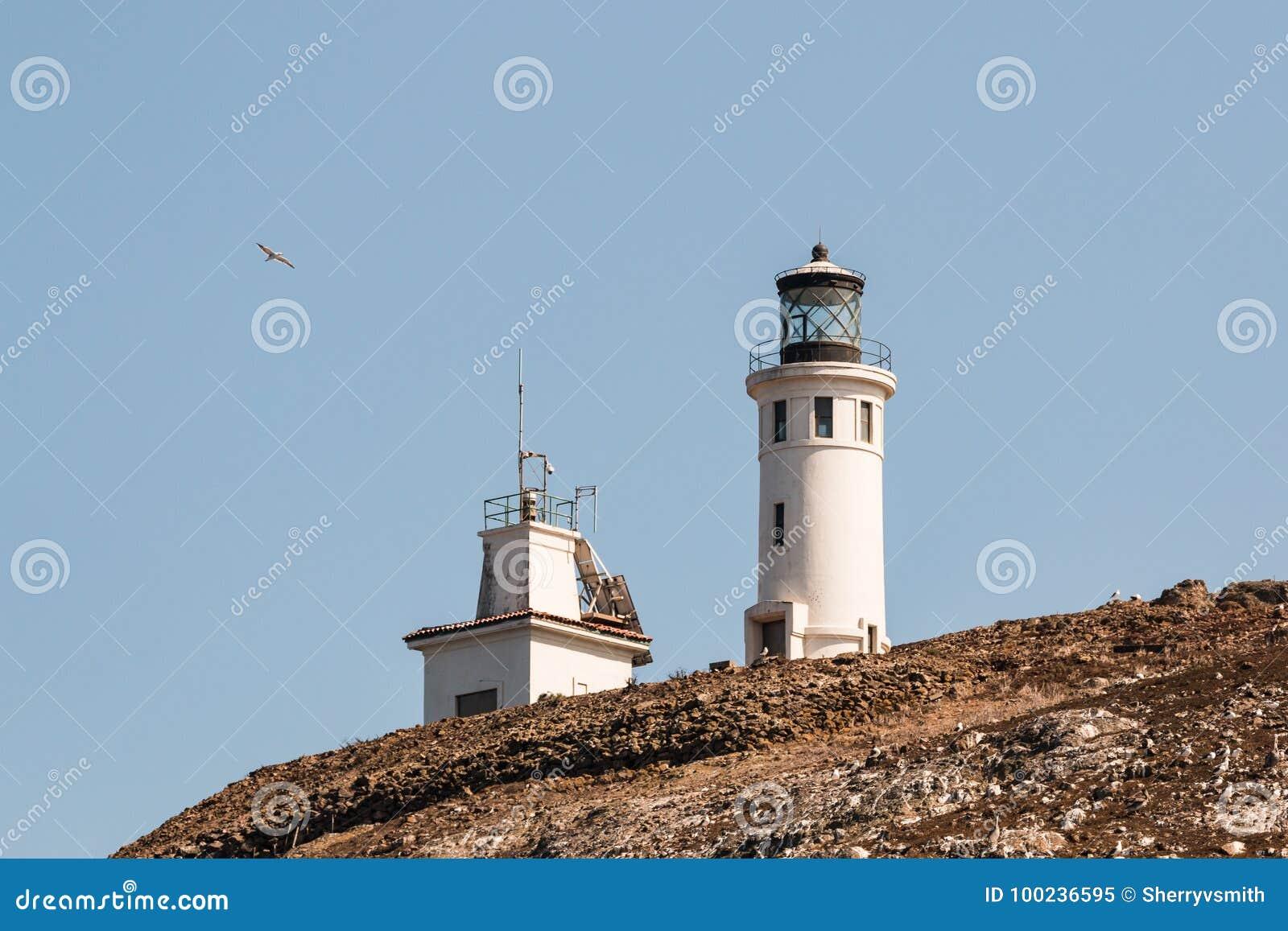 Anacapa ö Lighhouse och närgränsande byggnad