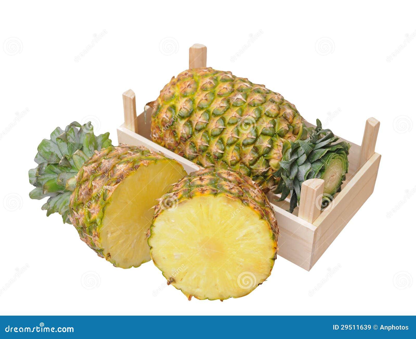 Ananas in krat