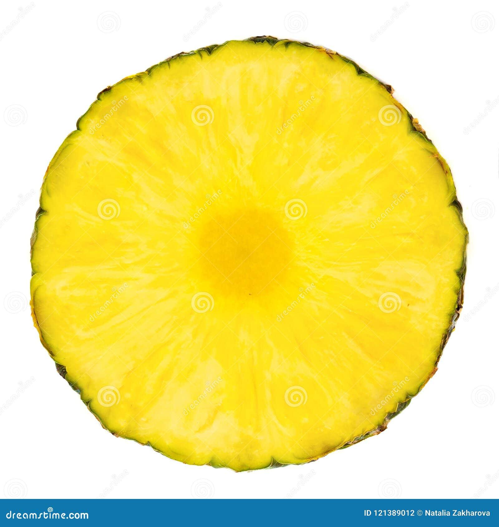 Ananas pokrajać pierścionek Kawały odizolowywający na białym bac ananas