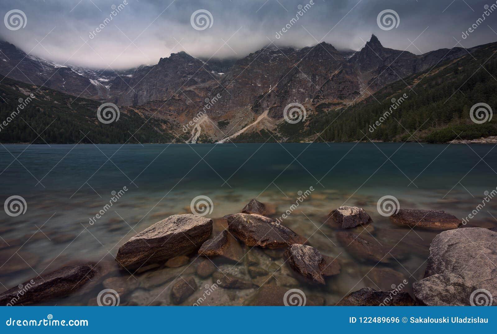Anblick von Polen und Zakopane, Perle von hohen Tatra-Bergen - alpines Auge See Morskie Oko des Meeres, bekannt für seinen Emeral