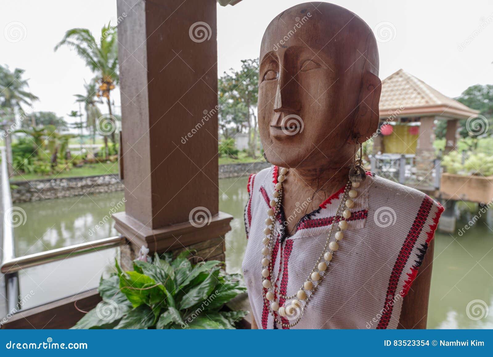 Ancêtre en bois