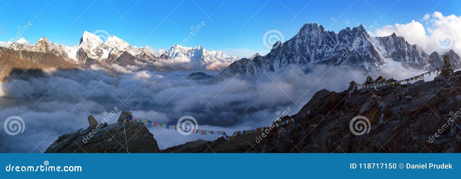 Anche paesaggio panoramico, montagne dell Himalaya del Nepal