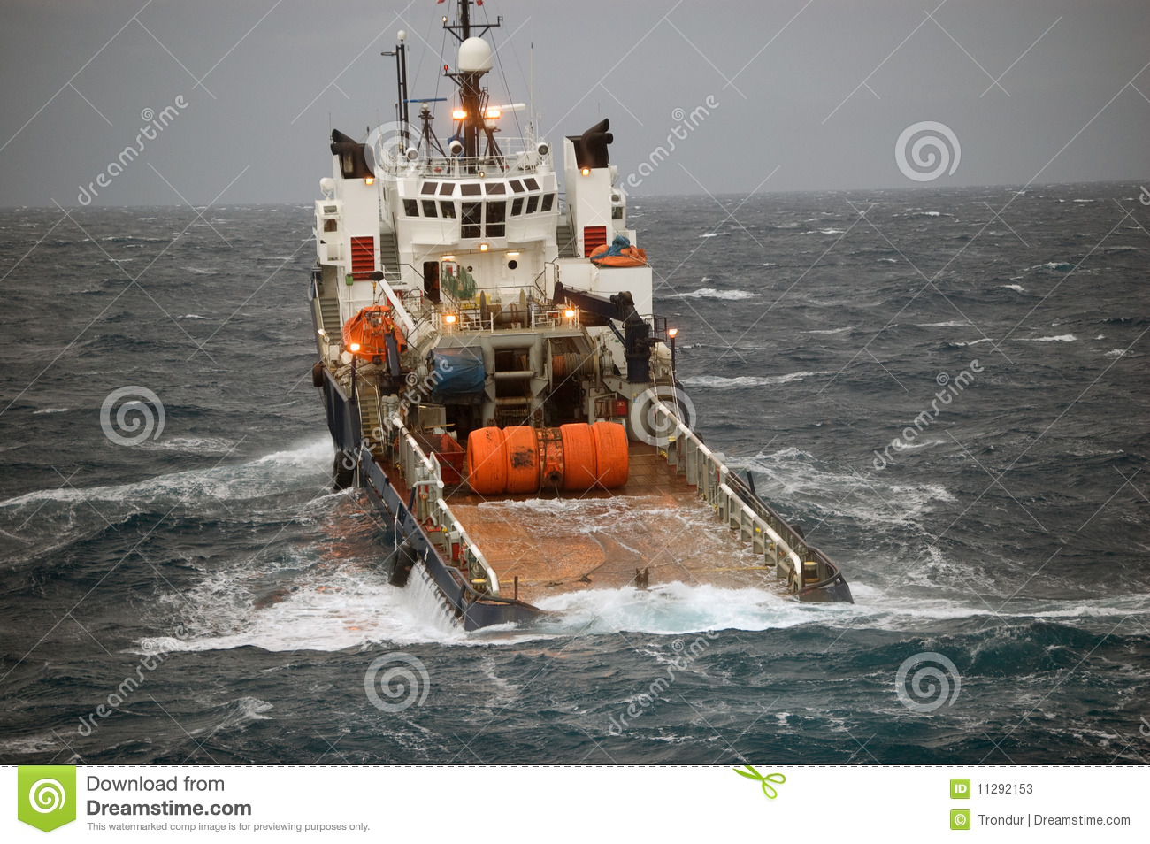 Anchor Handling Of Semi Submergible In North Sea Stock ...