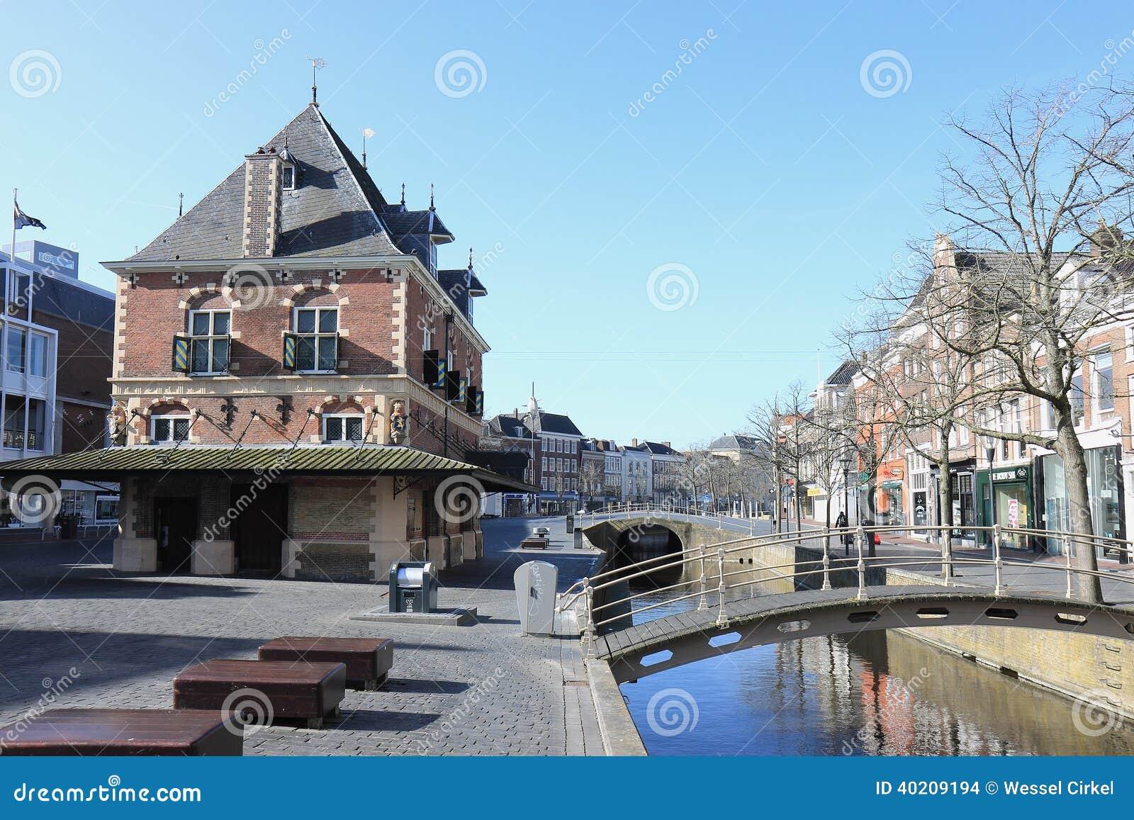 Ancien Pesez La Maison, Leeuwarden, Pays-Bas Image stock ...