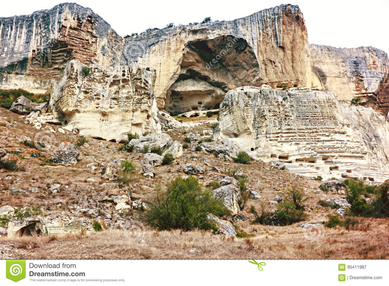 Cave city Chufut-Kale in Crimea: description, history, excursions 64
