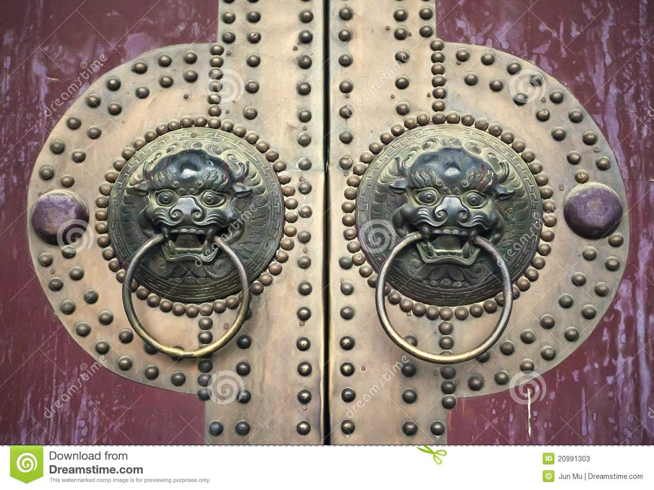 Ancient Chinese Door Stock Photos Image 20991303